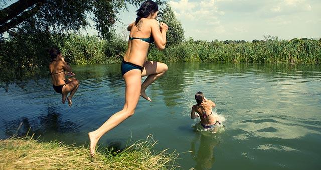 Жителям Радомишля рекомендують утриматись від купання в р.Тетерів та Мика